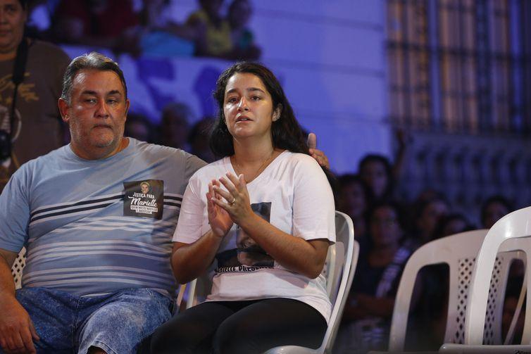 Rio de Janeiro - Ágatha Reis, viúva do motorista Anderson Gomes, participa de homenagem à vereadora Marielle Franco, e a Anderson, no centro da cidade (Fernando Frazão/Agência Brasil)