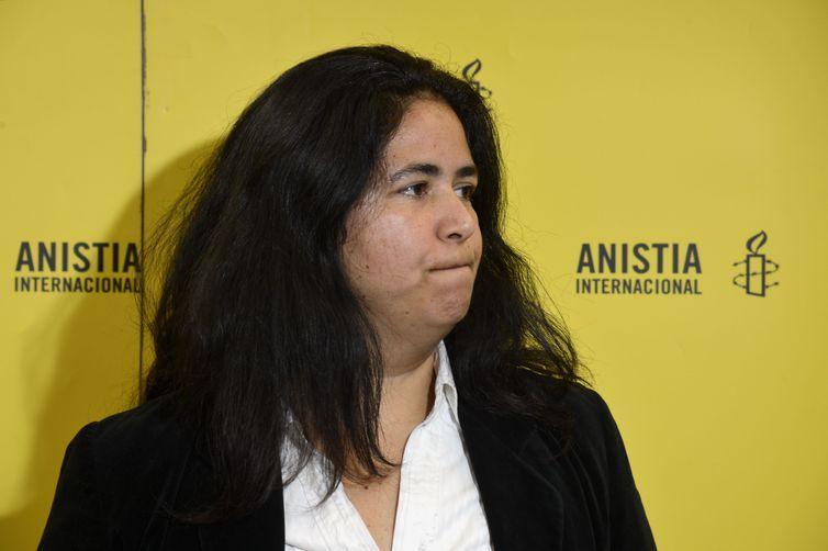 """Anistia Internacional critica """"ineficácia"""" de autoridades no caso da vereadora Marielle Franco. Na foto, a coordernadora de pesquisa da Anistia Internacional Brasil, Renata Neder."""