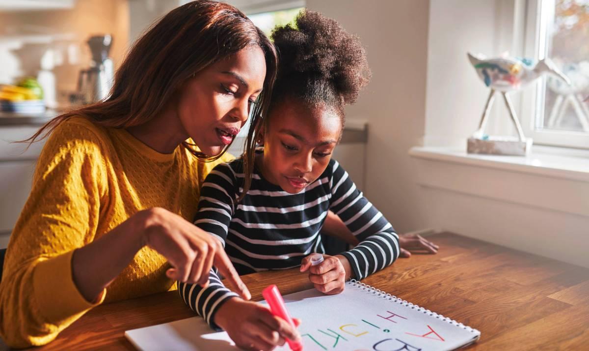 Adolescentes mães têm quase 40% a mais de risco de abandonar a escola - FOTO 1