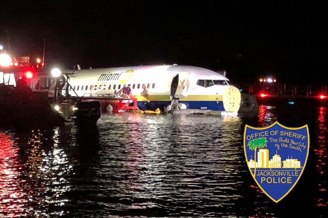 Avião acidente Estados Unidos cai em rio