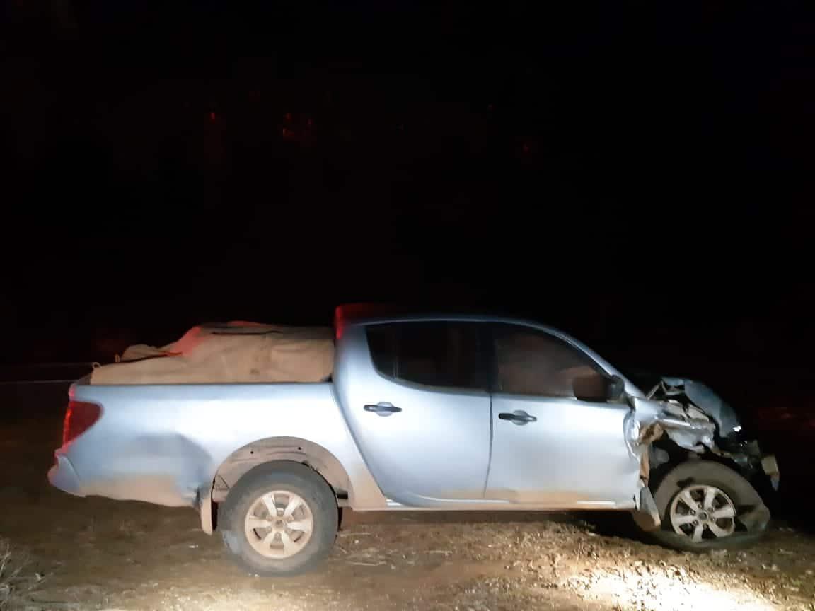 Motorista embriagado bate em viatura da PM e é preso na BR-365