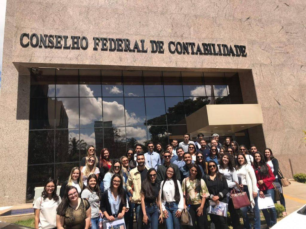Alunos de Ciências Contábeis do UNIPAM realizam visita técnica em Brasília