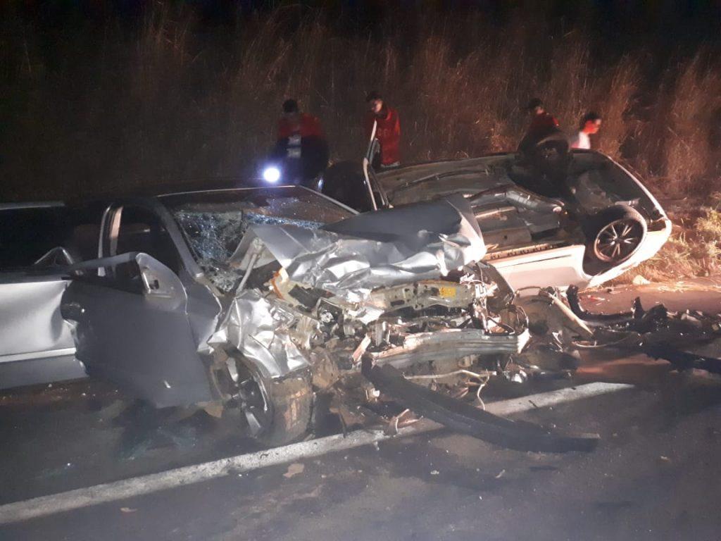Batida frontal deixa cinco vítimas na BR-365 em Uberlândia