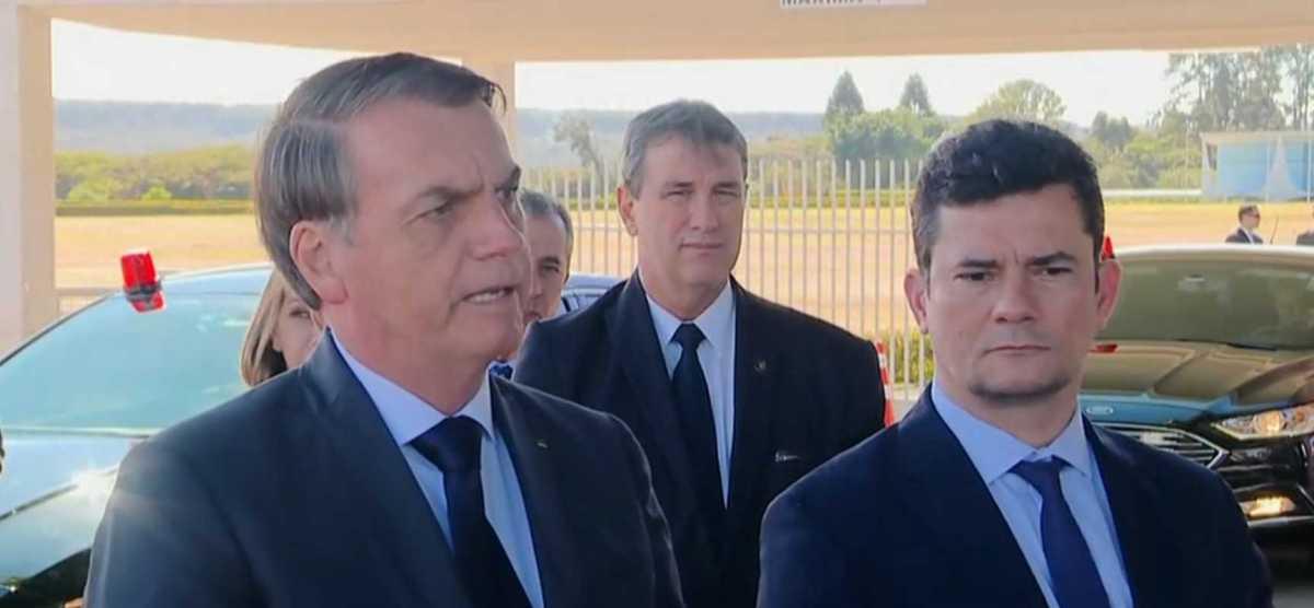 Bolsonaro sugere fazer cocô dia sim, dia não para reduzir poluição