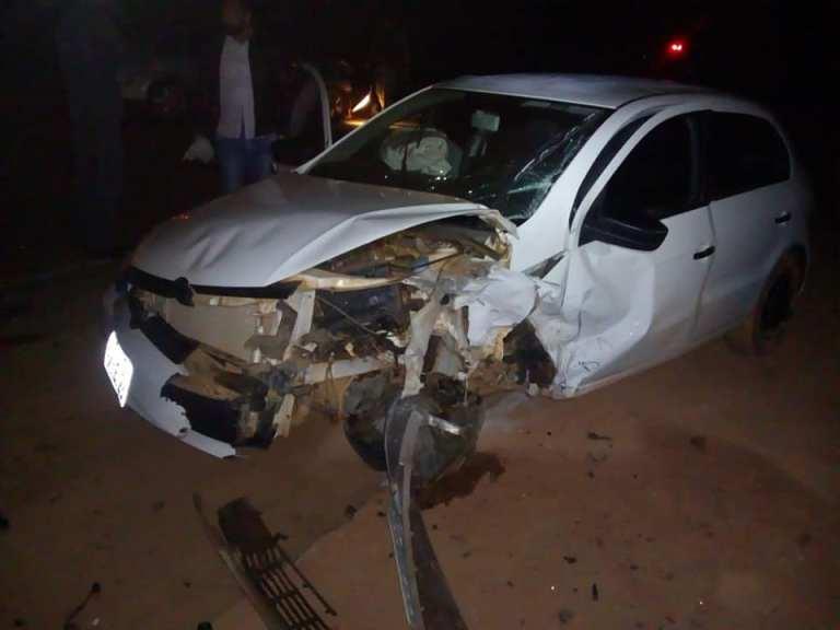 Carros de Monte Carmelo batem e oito ficam feridos em Romaria