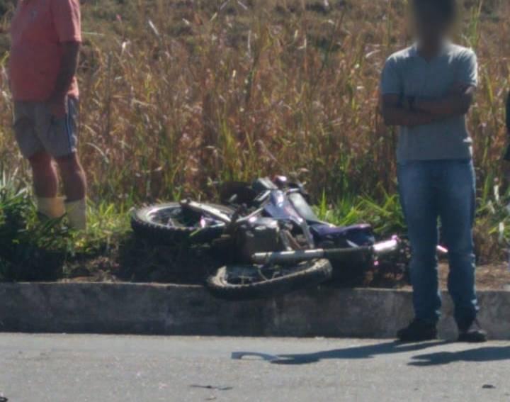 Duas pessoas morrem em colisão de três veículos na BR-356