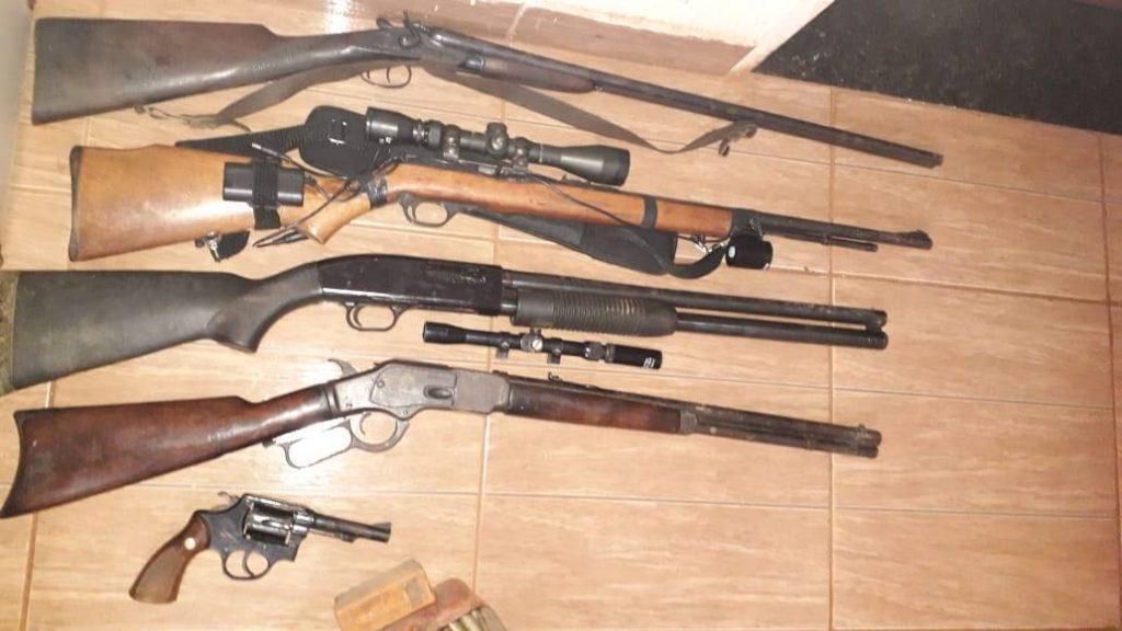 Idoso é preso com cinco armas em Iraí de Minas-MG