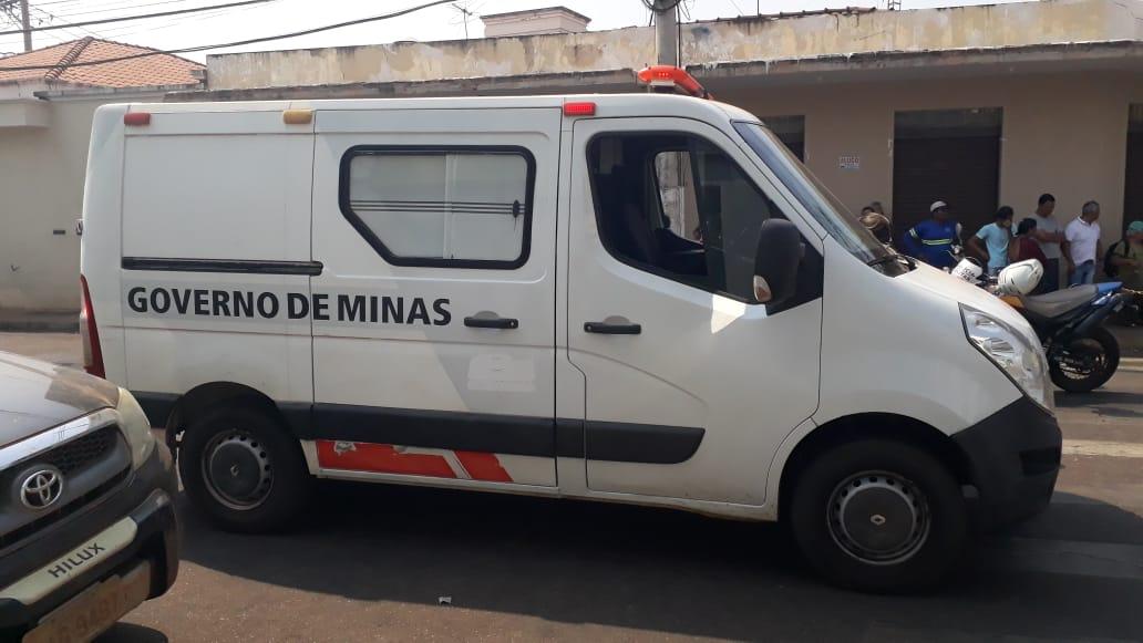 Mulher morre atropelada em Monte Carmelo