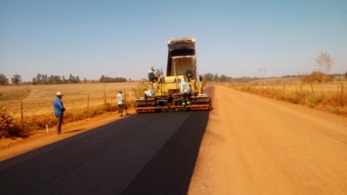 Patos de Minas: Pavimentação da Estrada da Serrinha está em fase final