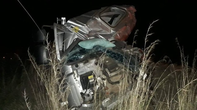Jovem caminhoneiro morre em acidente na BR-050
