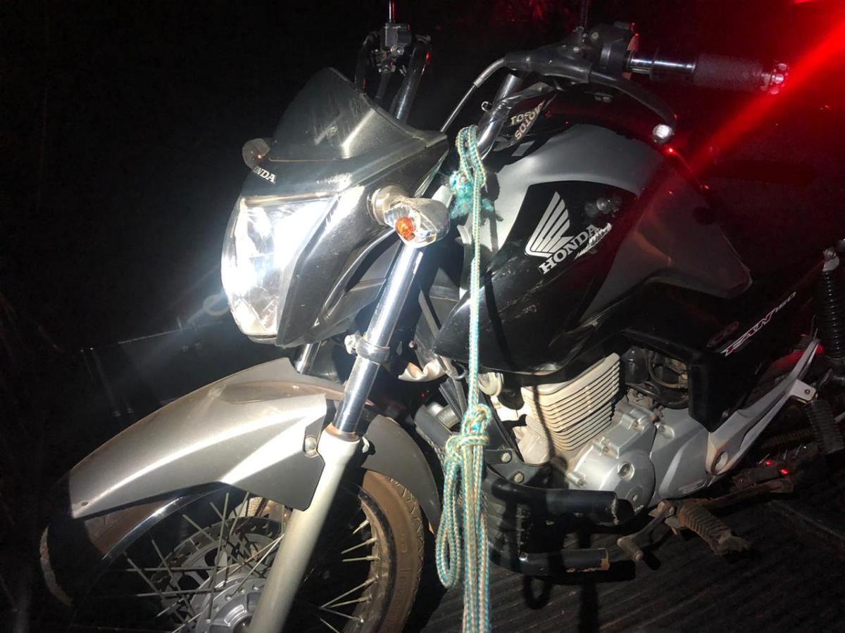 Acidente com moto deixa dois feridos na MG-223 em Monte Carmelo