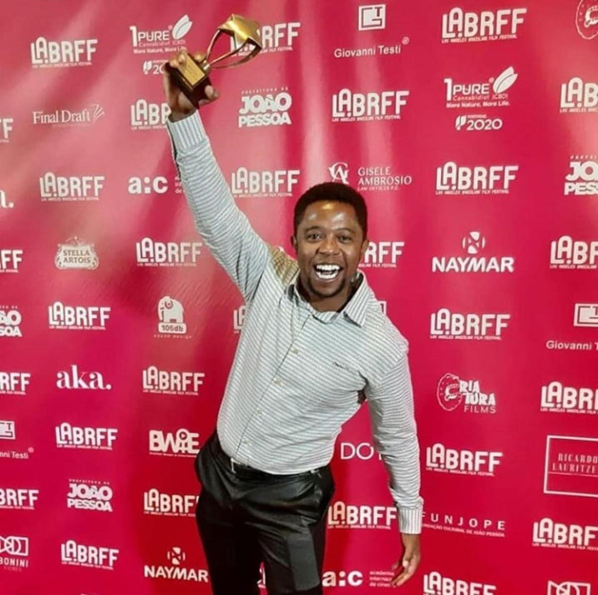 O ator de Patos de Minas é premiado em Hollywood