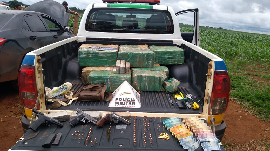 250 kg de maconha são apreendidos em Tiros-MG