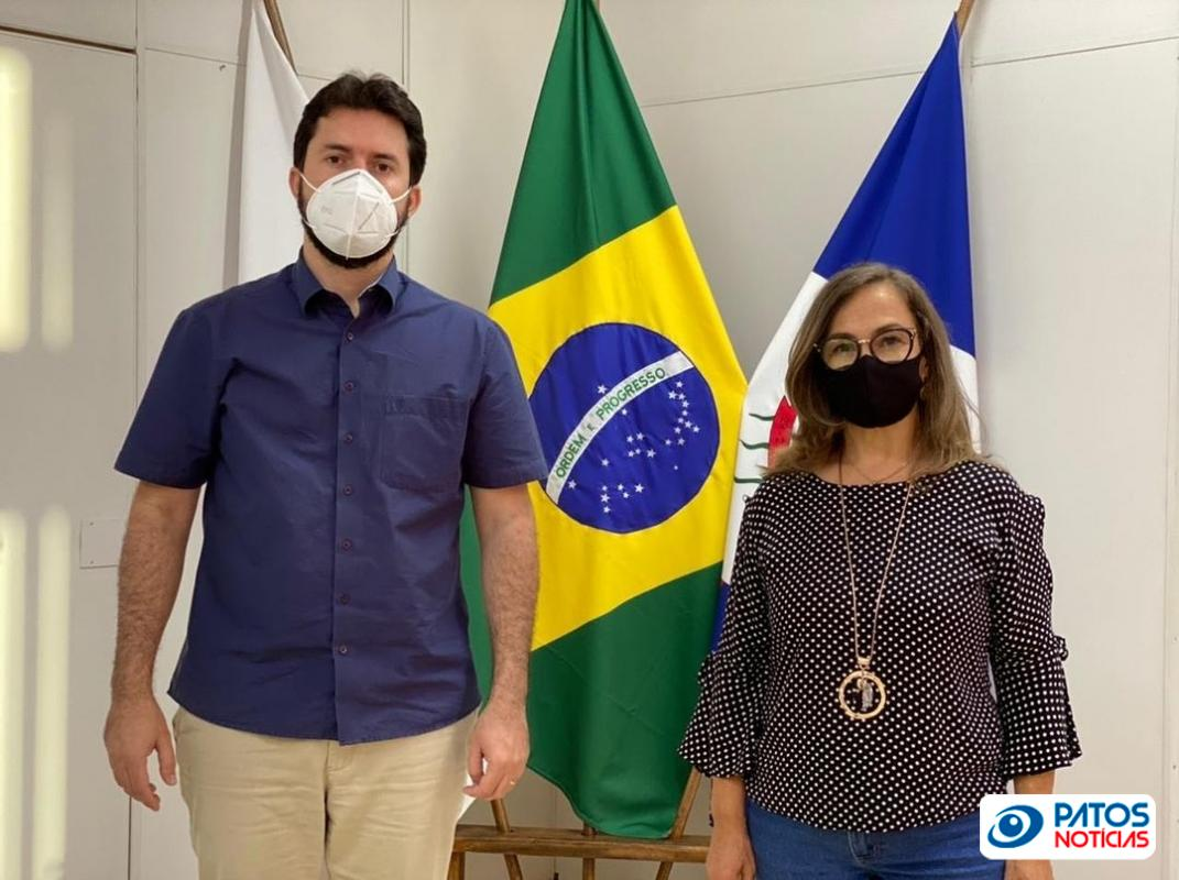 Sônia Silveira - Secretária Municipal de Educação de Patos de Minas