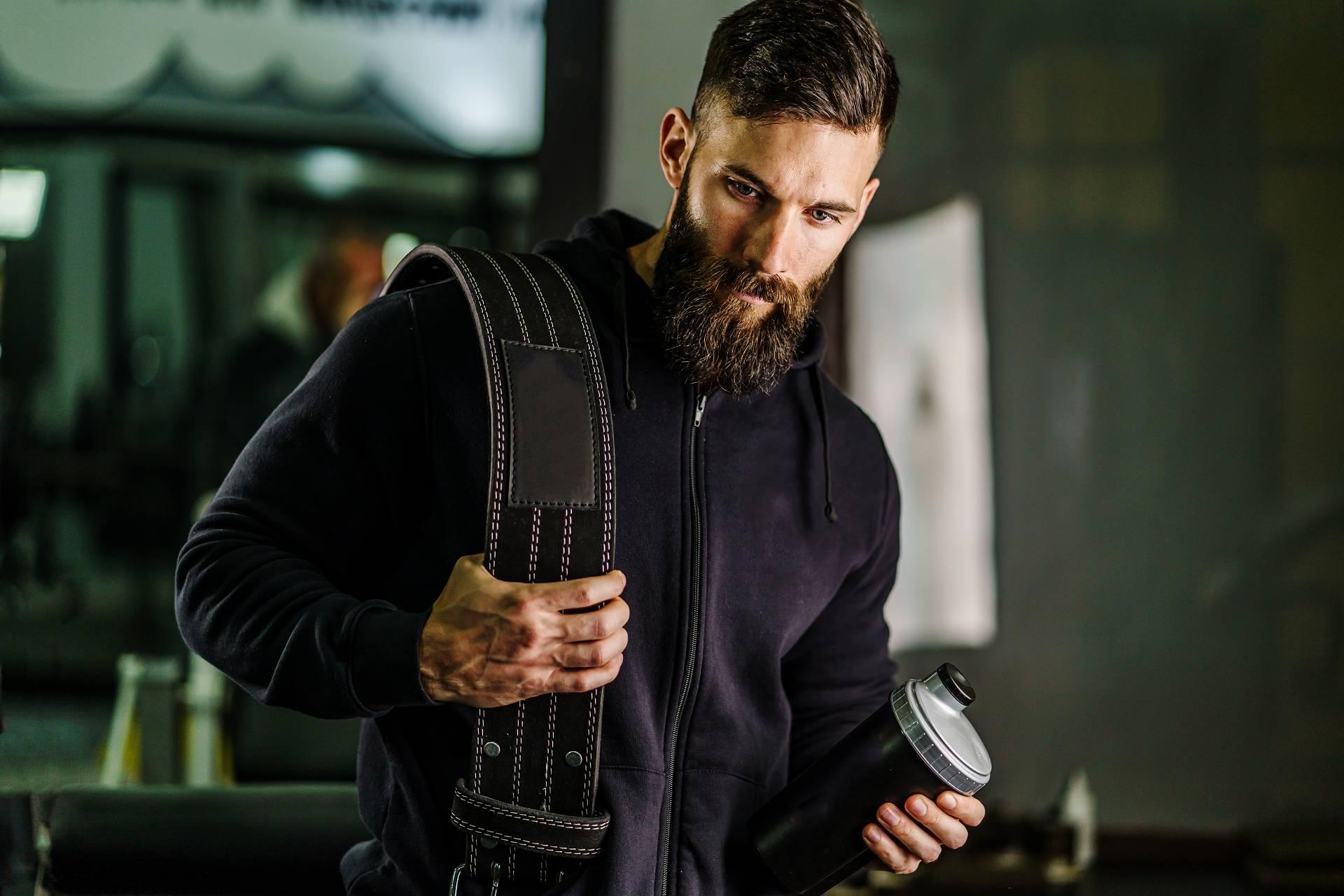 Muskelaufbautraining mit und ohne Whey Isolat: Wie groß ist der Unterschied in Sachen Fortschritte bei Trainingsanfängern?