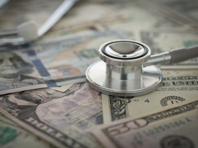 Welchen Einfluss hat die Finanzierung einer Studie auf das Studienergebnis (in der Pharmabranche) | Studien Review