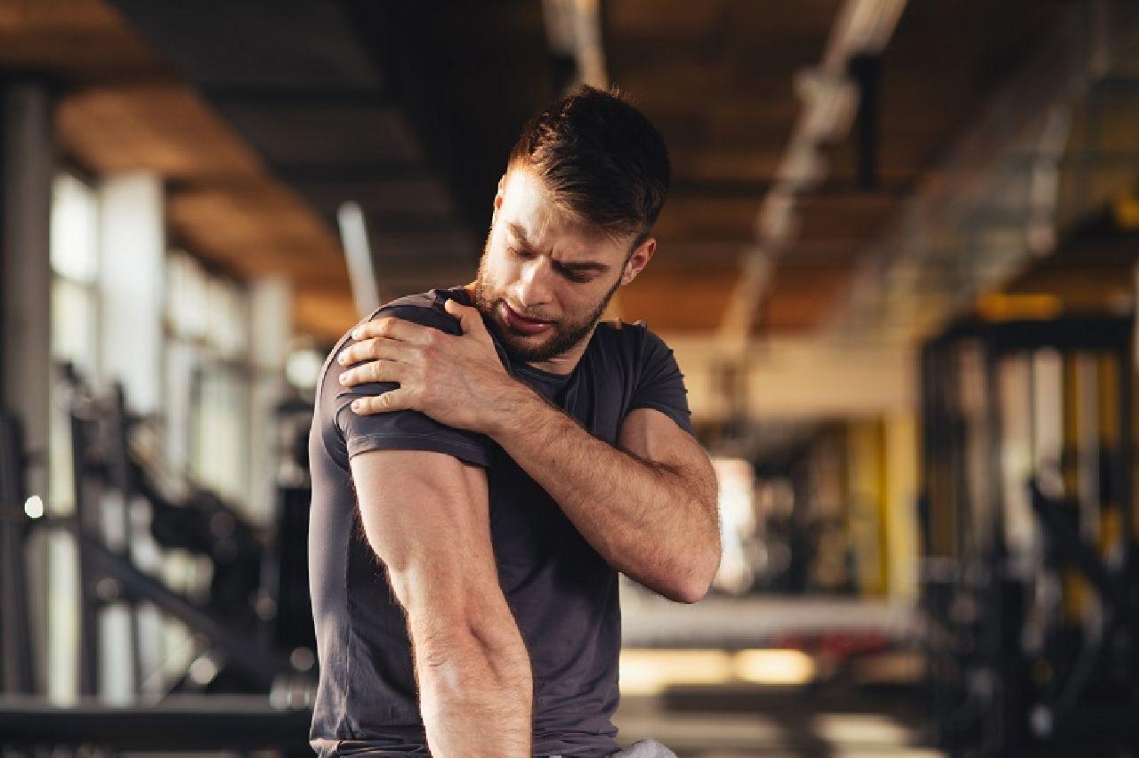 Schmerzhafte Enge: Die Ursachen & Folgen eines Impingement Syndroms