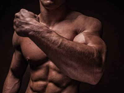 Verbessert Ashwagandha Kraft & Körperkomposition in trainierten Athleten?