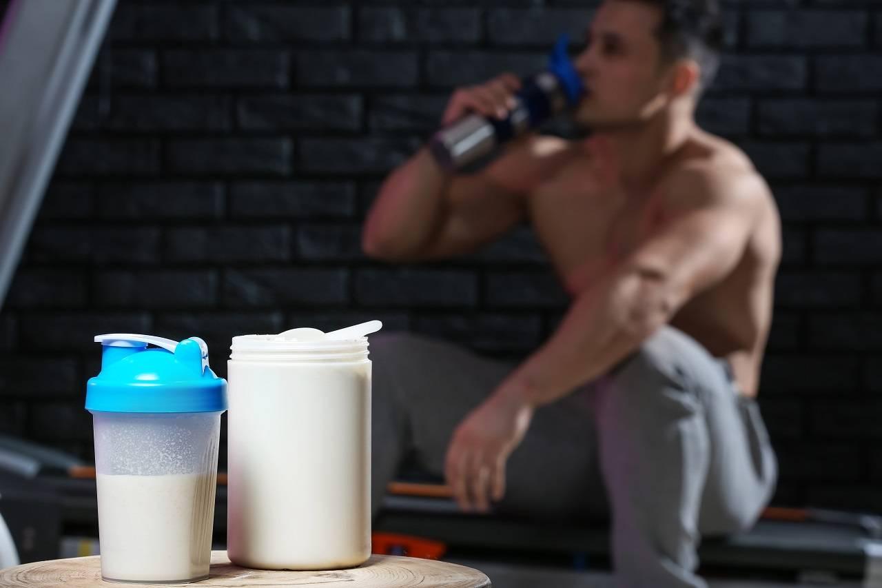Proteine Vs. Proteine + Kohlenhydrate zur Steigerung der muskulären Proteinsynthese: Was wirkt besser?