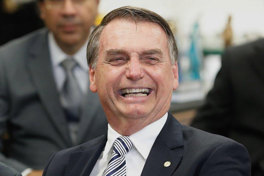 Bolsonaro comemora suspensão de cobrança da contribuição sindical do trabalhador