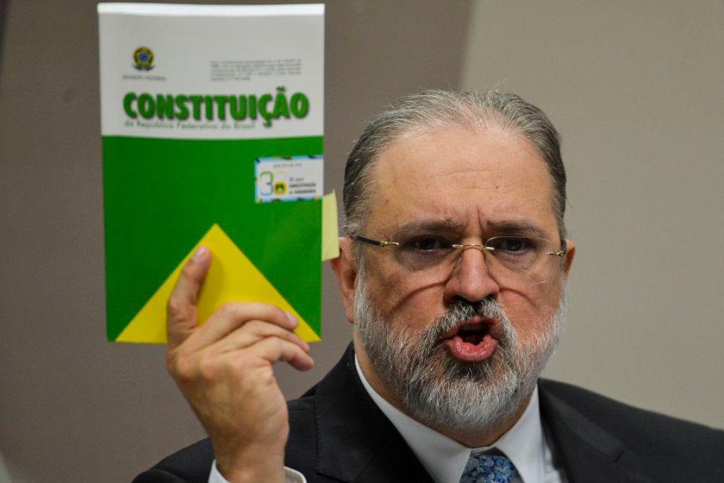 """PGR diz que Eduardo Bolsonaro tem """"Imunidade parlamentar"""" ao falar sobre AI-5"""