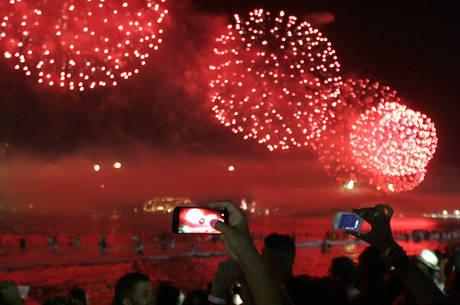 Rio cancela festa de réveillon em Copacabana devido à pandemia.