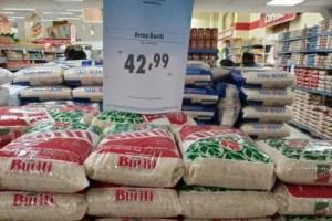 Ministério da Justiça notifica supermercados por alta dos alimentos.