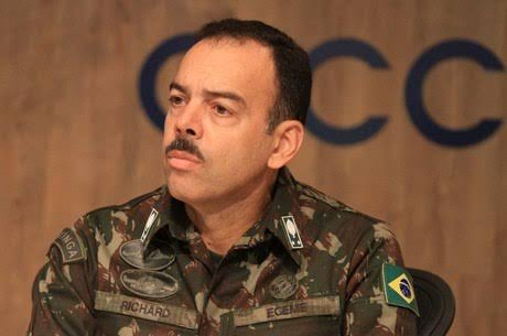 Exército exige retratação da revista Época por falsas acusações