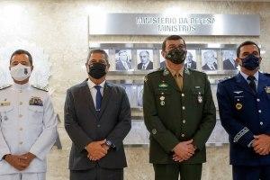 Chefes das três Forças apoiam Bolsonaro