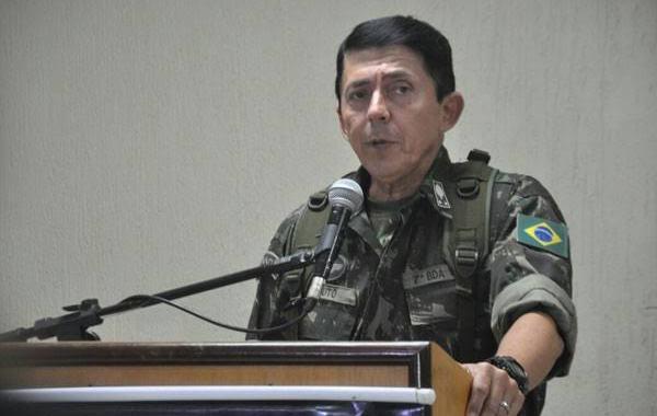 General que assumiu logística da Saúde disse que 'mata e morre pela Pátria'