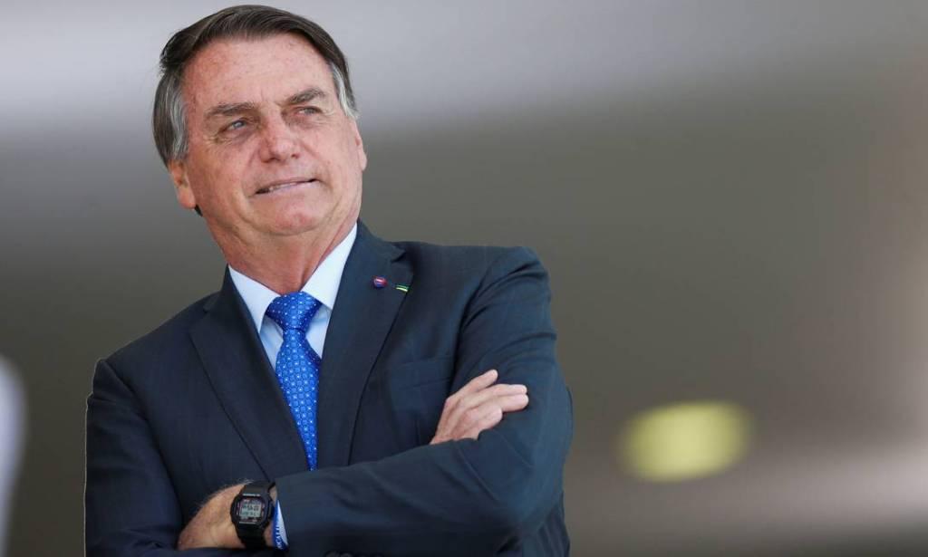 Bolsonaro cumpre quarentena sugerida pela Anvisa