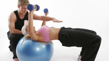 Personal training2 2 jpg 640x480 q85 - Qual O Melhor Exercício Para Secar As Gordurinhas?