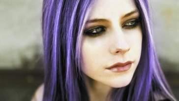 Avril Lavigne roxo copy - O Matizador Deixou o Cabelo Roxo! E Agora?