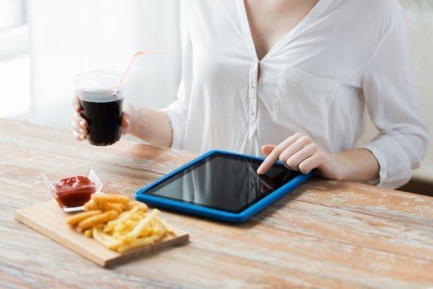 iStock 489090612 621x414 - Como controlar vícios na Dieta?