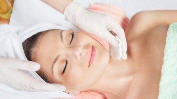 limpeza de pele 650x350 - O Dossiê da Pele Perfeita!