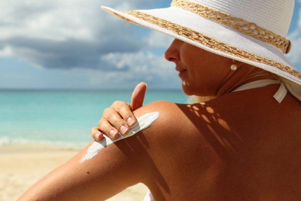 iStock 466724810 621x414 - Dicas de como cuidar da pele no verão