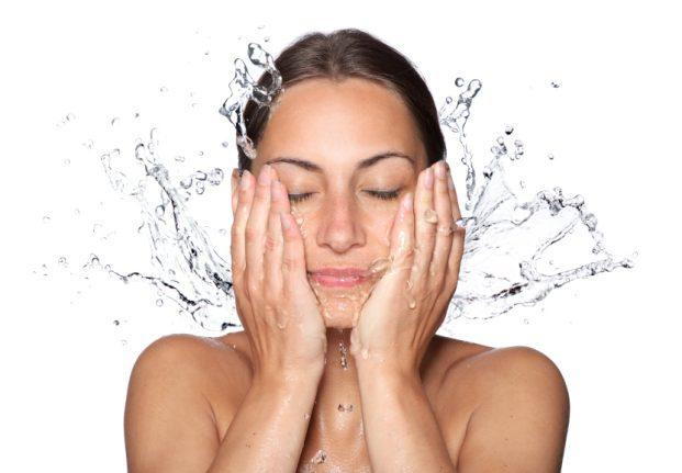 iStock 000017015351 Small 621x431 - Beber muita água emagrece
