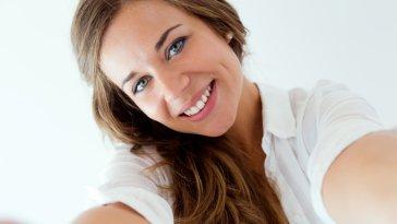 iStock 000045146494 Small - Expressão Facial - Dicas pra sair bem na foto