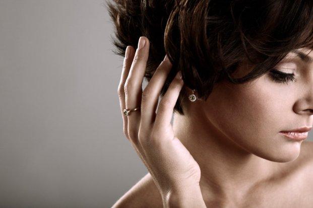 iStock 000018990498 Small - Penteados em cabelos curtos