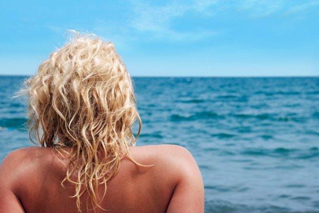 iStock 000003574053 Small - Cabelos precisam de cuidados especiais no verão