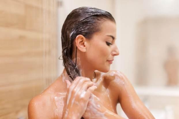 iStock 000044376990 Small 680x453 - Cabelo saudável começando pelo banho