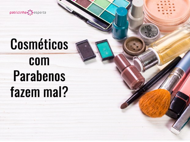 various makeup products on wooden background with copyspace picture id544656476 - Cosméticos com Parabenos fazem mal?