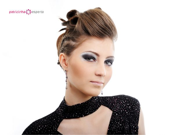 woman with modern hairstyle picture id92703948 621x466 - Penteados Para Madrinhas De Casamento 2017