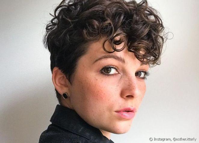 245964 cabelos cacheados ganham mais definicao article media item 2 - Corte Pixie: Melhores Estilos + 200 Fotos para Você se Apaixonar + Dicas