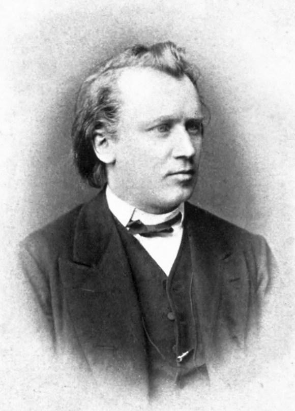 Johannes Brahms fotografiado alrededor de 1872 por un fotógrafo desconocido.