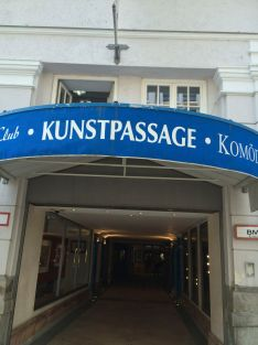 Monster in der Kunstpassage