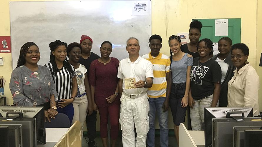 Echange de Patrick Baucelin avec des étudiants en français