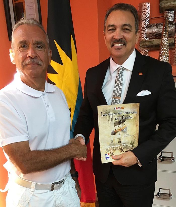 Avec Charles Fernandez, Minister of Tourism Antigua & Barbuda