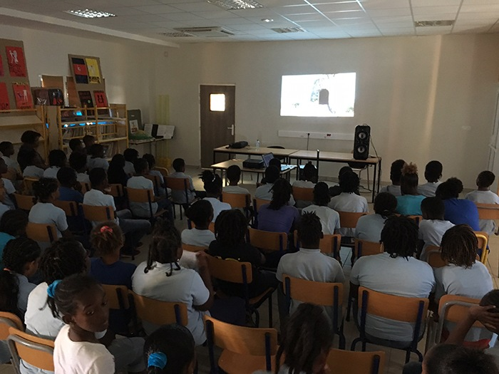 Projection dans une école à MARIE-GALANTE