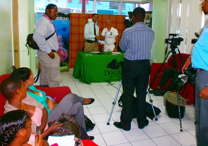 Patrick Baucelin en conférence de presse avec Colin PIPER, Directeur de l'Office de tourisme de la Dominique